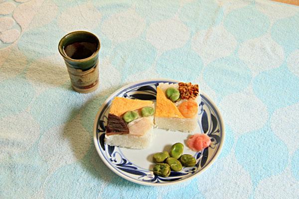 新豆と鰆の角寿司は春の到来の食べ物・・