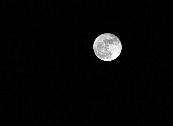 十六夜の月我が家から・・