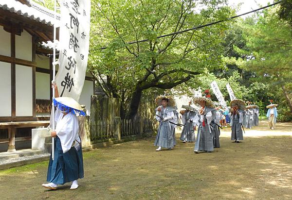 念仏踊りのあった滝宮の境内の蝉の声 ・・